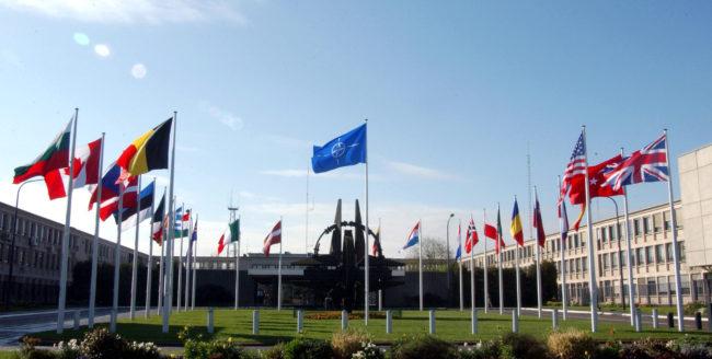 NATO susține Ucraina prin reducerea colaborărilor cu statul rus