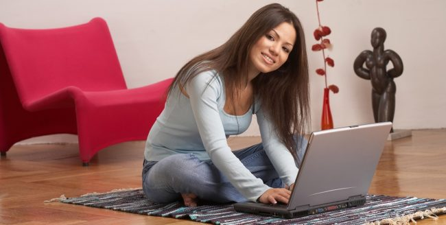 De ce merită să lucrezi de acasă – 5 avantaje majore