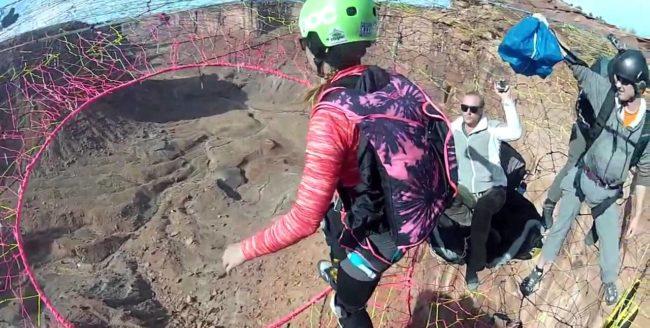 Sărituri cu parașuta în canion