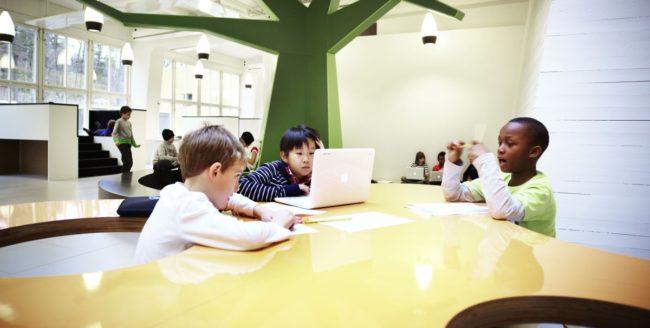 Un nou sistem școlar în Suedia prin care se renunță la ideea de clase și banci