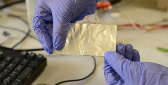 Cercetătorii de la Universitatea Stanford au creat o baterie care încarcă telefonul într-un minut