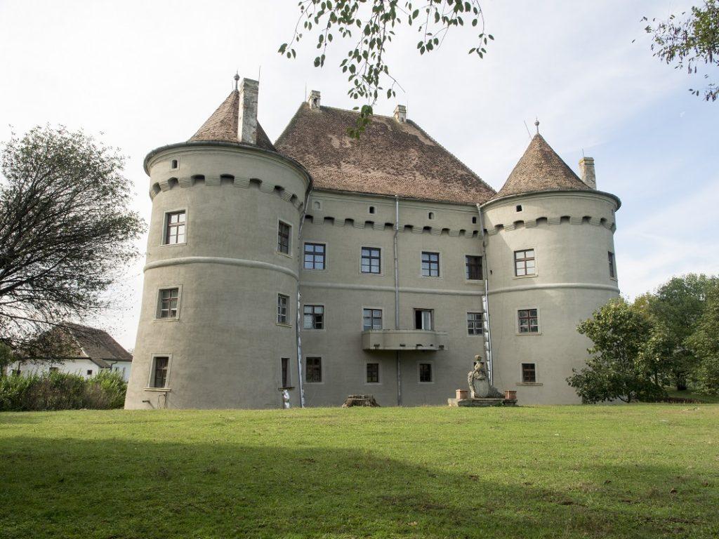 castelul-Bethlen-Haller_60423941
