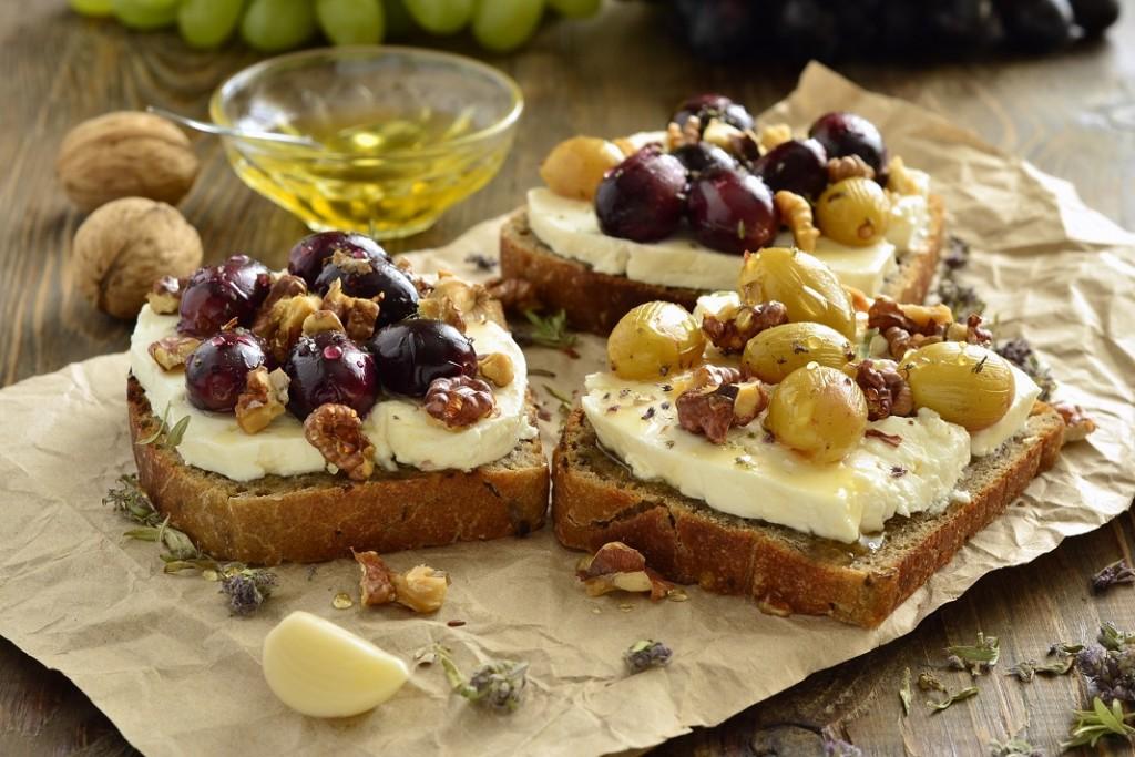 toast-cu-branza-de-capra_63951520