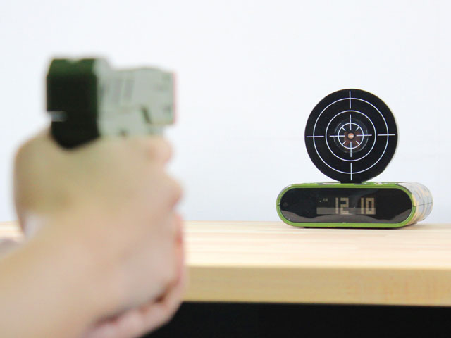 ceas cu pistol