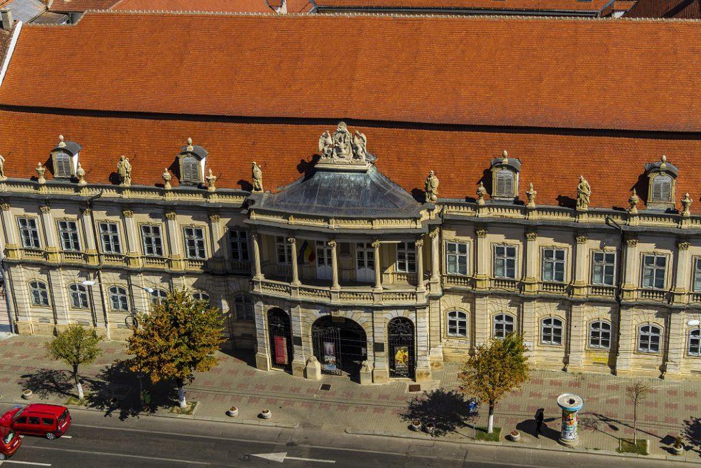 muzeul-de-arta_36380878