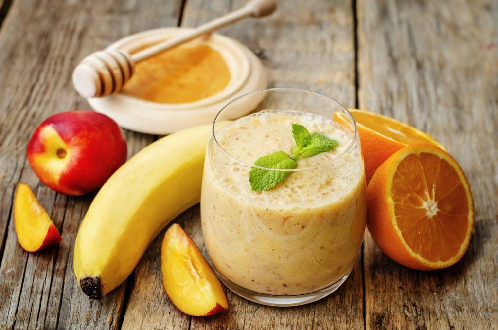 smoothie-cu-piersici_54650383