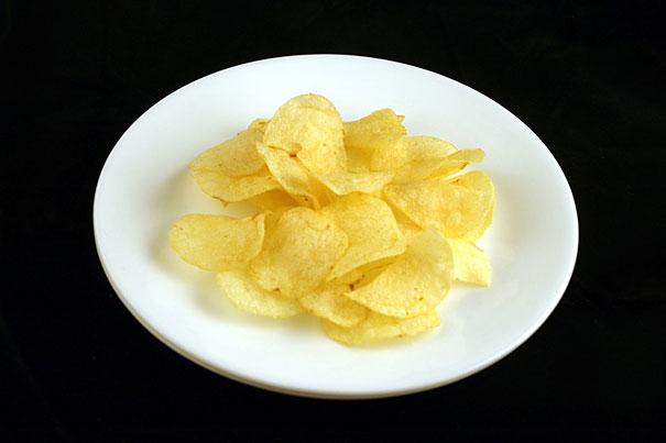 200 calorii chipsuri