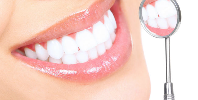 Avantajele și dezavantajele albirii dinților