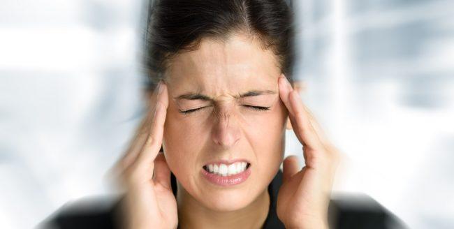 De ce mă doare capul dimineața?