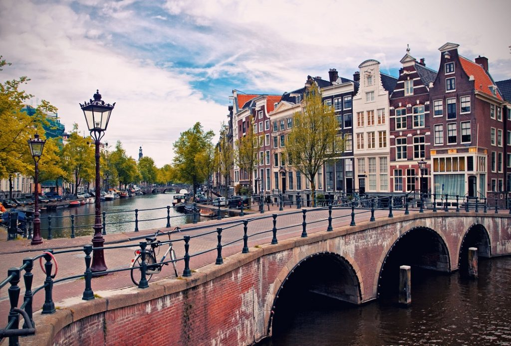 amsterdam_25378882