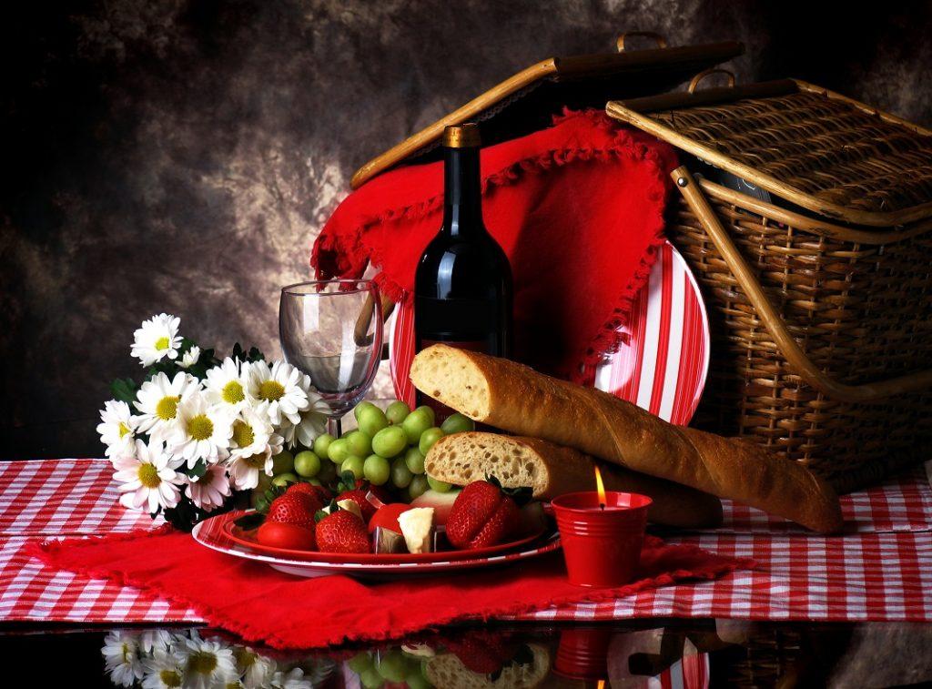 cos-picnic-romantic_240470