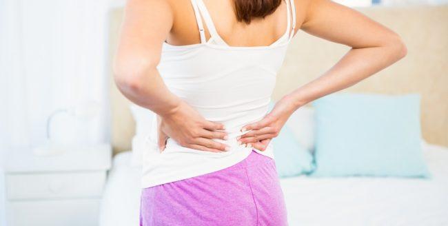 De ce te doare spatele dimineața?