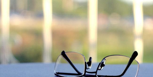 Au fost creați ochelarii care blochează recunoașterea facială în poze