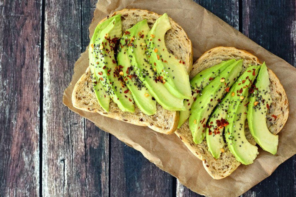 paine-cu-avocado-si-chia_65630080