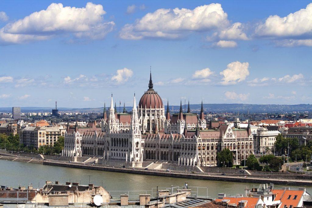 palatul-parlamentului-budapesta_20798704