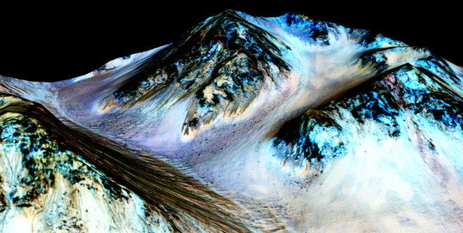 S-a descoperit apă pe Marte