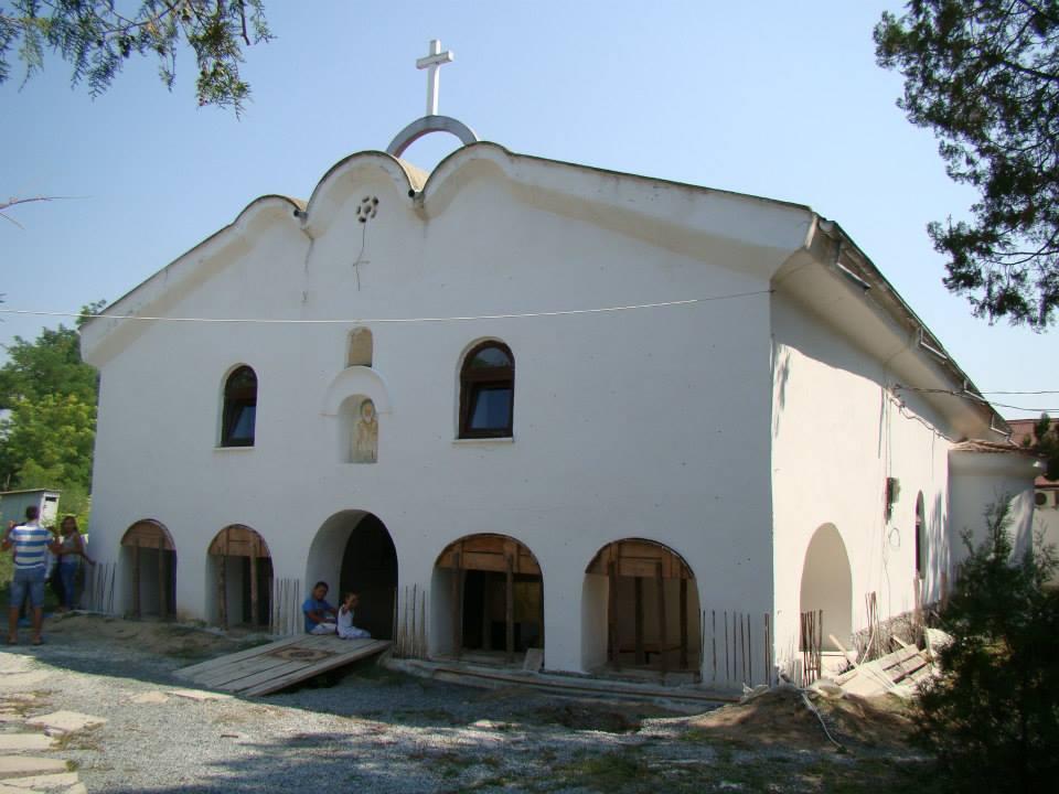 biserica-ingropata-ionut-druche-ionut-druche