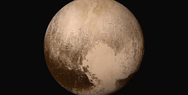 NASA a publicat fotografii de înaltă rezoluție cu Pluto