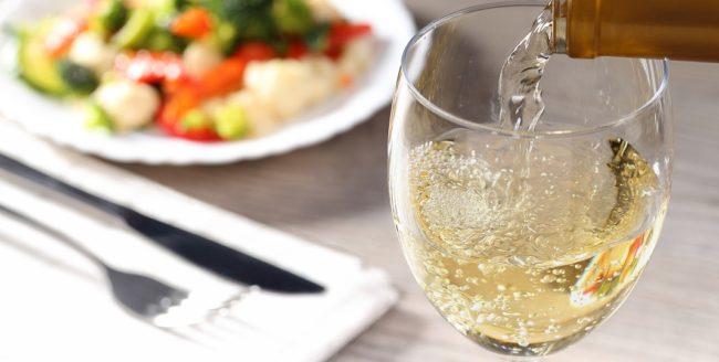 vinul alb și mancarea