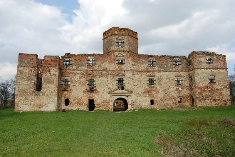 castelul de la Mediesu Aurit