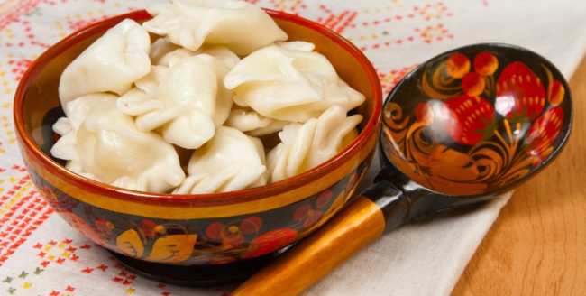 10 mâncăruri pe care trebuie să le încerci în Rusia
