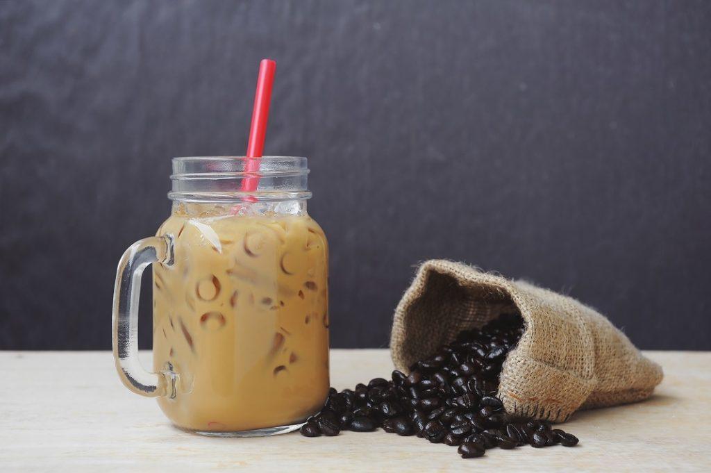 smoothie-cu-cafea-si-ananas_61506735