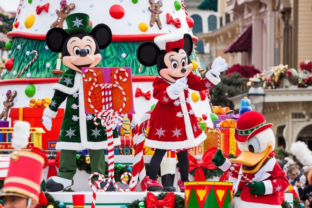 disney-christmas-parade_49514984