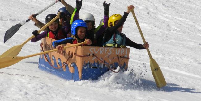 Feleacu Winter Games, primul concurs cu sănii de carton din Cluj