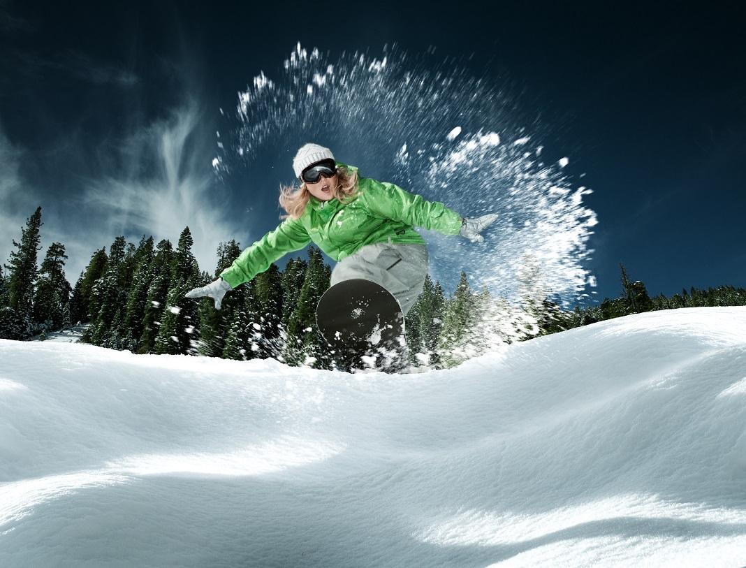 Snowboarding_39652047