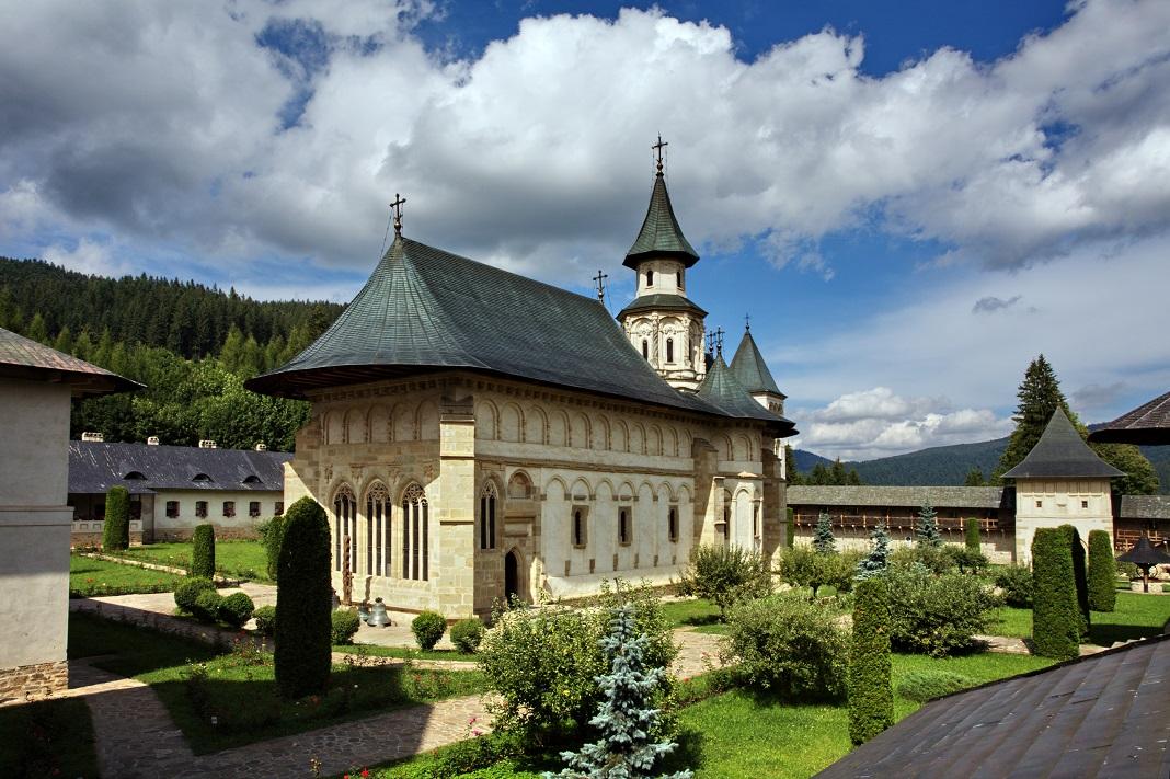 manastirea-putna_12516344