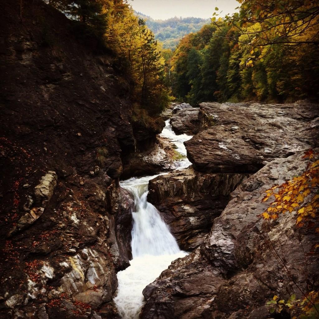 cascada-putnei_45498605