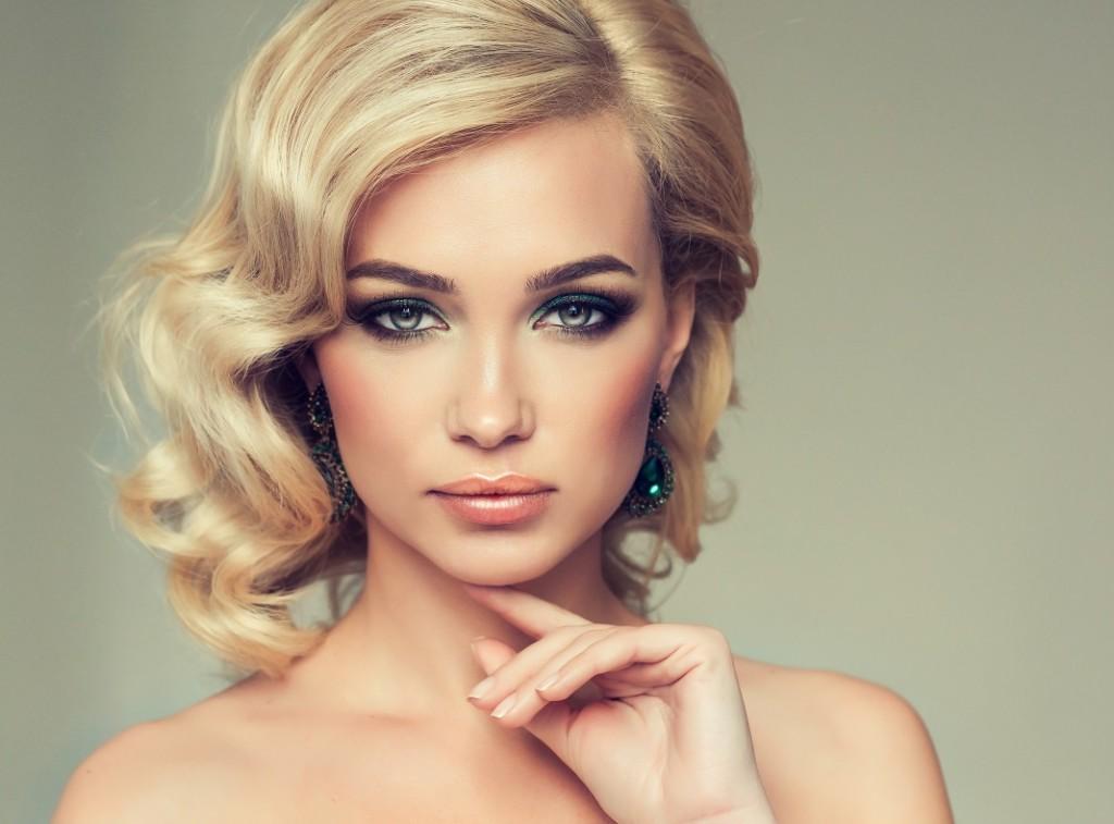 femeie-par-blond_56308506