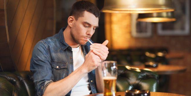"""Unele localuri din țară organizează petreceri cu tema """"Ultima țigară"""", pe 15 martie"""