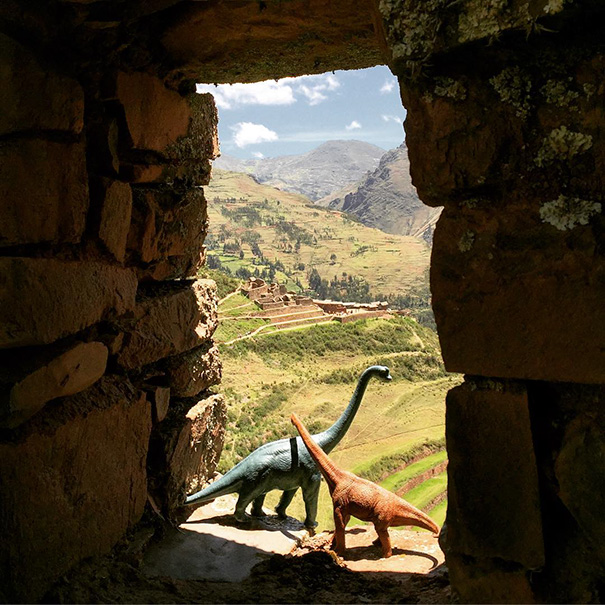 travel-photography-dinosaur-toys-dinodinaseries-jorge-saenz-1231