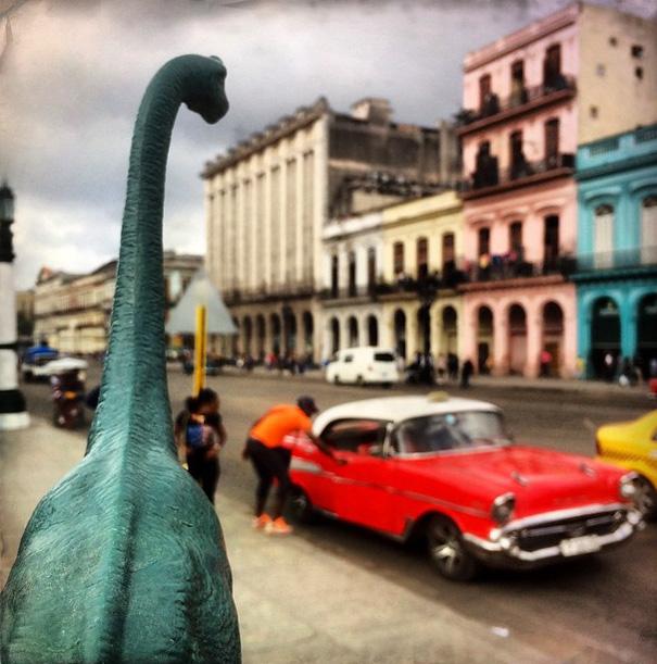 travel-photography-dinosaur-toys-dinodinaseries-jorge-saenz-1582
