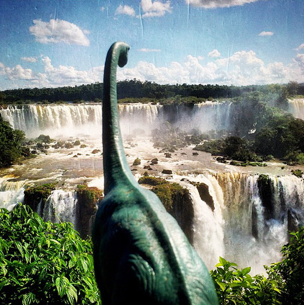 travel-photography-dinosaur-toys-dinodinaseries-jorge-saenz-1692