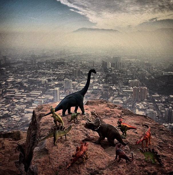 travel-photography-dinosaur-toys-dinodinaseries-jorge-saenz-1722