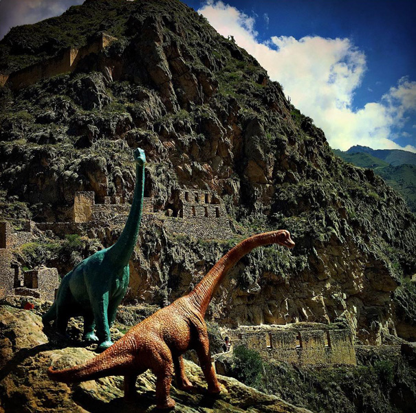 travel-photography-dinosaur-toys-dinodinaseries-jorge-saenz-1752