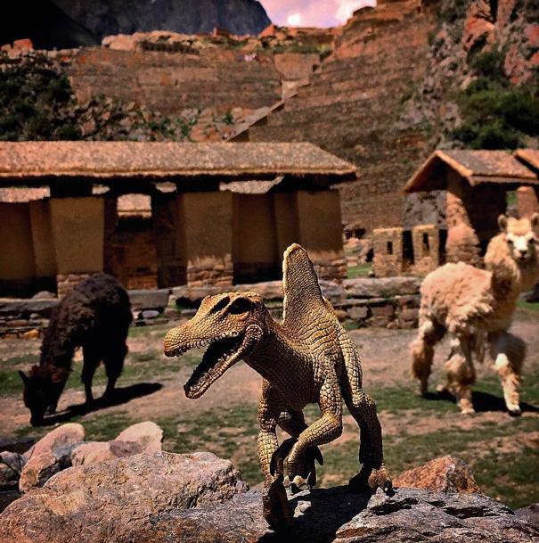 travel-photography-dinosaur-toys-dinodinaseries-jorge-saenz-1921