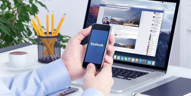 Utilizatorii Facebook distribuie mai puține postări personale