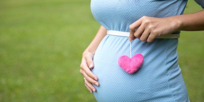 femeie gravidă