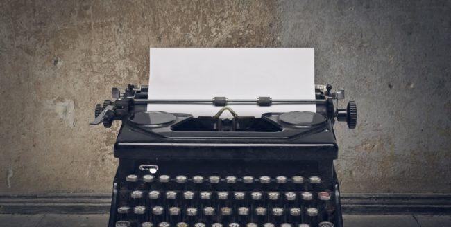 De ce să mai folosești o mașină de scris?