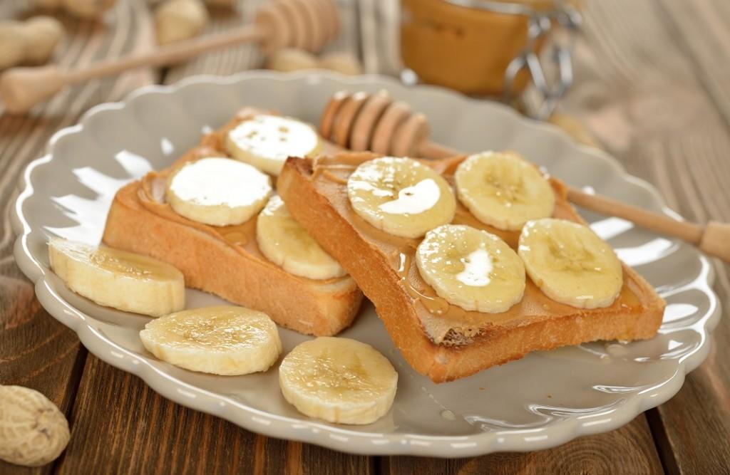 sandvis-cu-banane_50881385