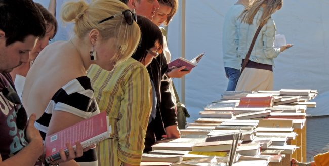 Doi scriitori români, omagiați la Târgul Internațional de Carte de la Londra