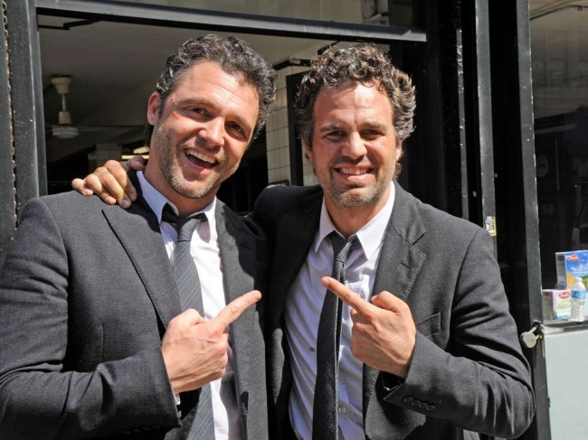 Mark Ruffalo si dublura sa Anthony Molinari