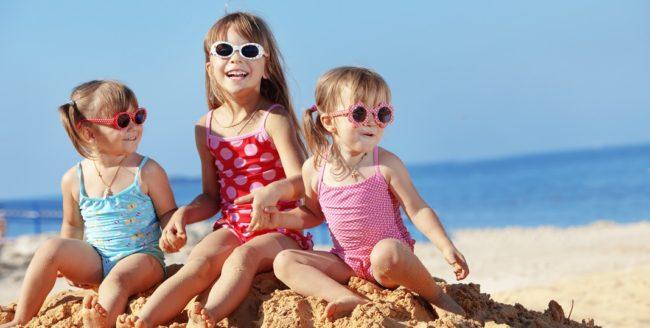 Îmbrăcăminea copiilor în vacanță