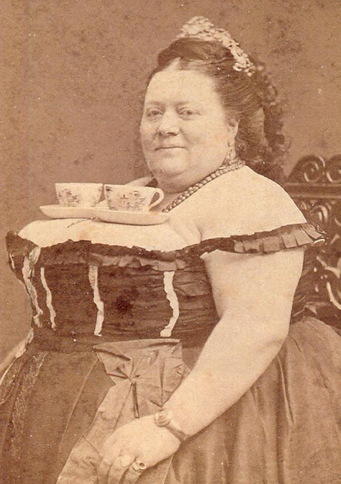 femeie victoriana