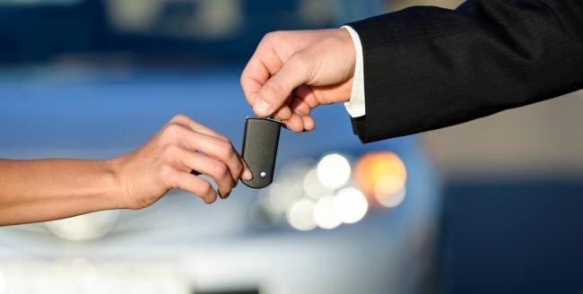 5 lucruri pe care să le eviți când închiriezi o mașină