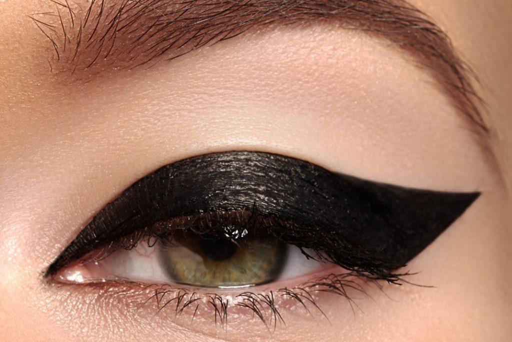 eyeliner-grafic_53467714