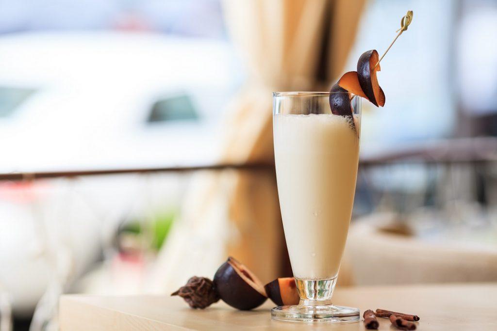 smoothie-cu-prune-scortisoara_48903822